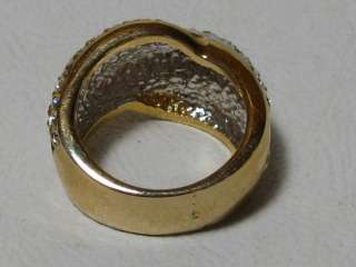 Lovely womens fashion ring, Size 7.25 gold and silver tone (gold