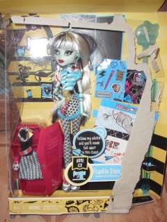 MONSTER HIGH FRANKIE STEIN, HOME ICK , DOLL , ADORABLE