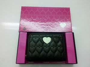 Hello Kitty Heart Quilted Medium Wallet   BLACK