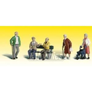 Scenic Accents HO Senior Citizens: Toys & Games
