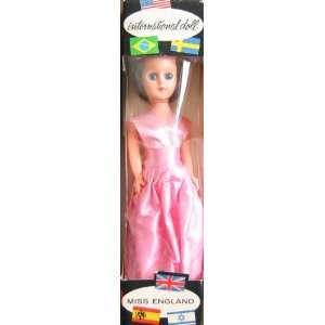 Inernaional Doll Miss ENGLAND 8 Collecor Doll