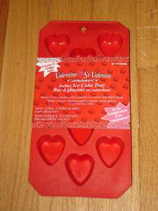 NEW RED RUBBER SILICONE HEART SHAPED ICE CUBE TRAY BNWT