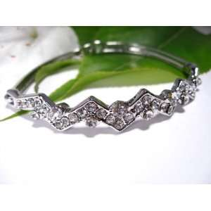 Fashion Plating Platinum and Diamond Bracelet br10029