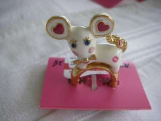 AUTH BETSEY JOHNSON CRITTERS WHITE MOUSE RING USA NWT