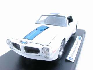 WELLY 1972 Pontiac Firebird Trans AM White 1/18 DIECAST Car