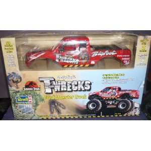 1520 Revell Jurassic Park Bigfoot T Wrecks Ford Monster Truck 1/25