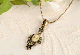 CAMEO Vintage st Olive Crystal Antique Gold GP Necklace n1477